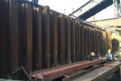 Підпірна стінка з шпунта Ларсен-V. Об'єкт: аглоцеха-2. Реконструкція будівель і споруд комплексу А/М6. Будмайданчик №1. Замовник: ПАТ «АрселорМіттал Кривий Ріг».